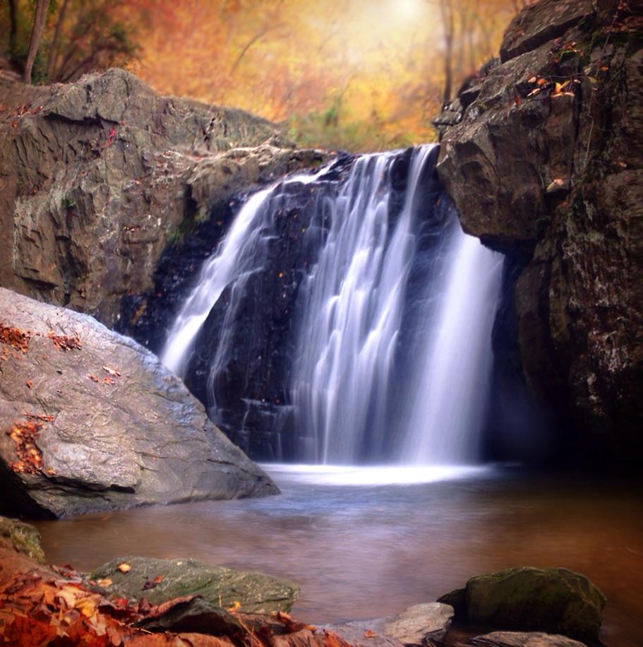 Kilgore falls in autumn